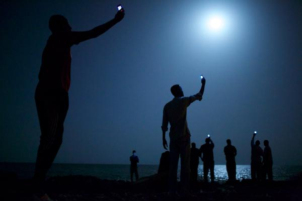 WORLD PRESS PHOTO OF THE YEAR 2014: John Stanmeyer, USA per VII for National Geographic