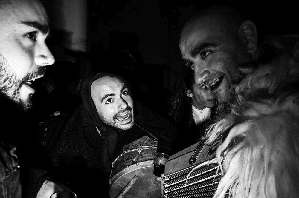 Musicanti e recitanti a Gavoi (NU) per il Carnevale sardo