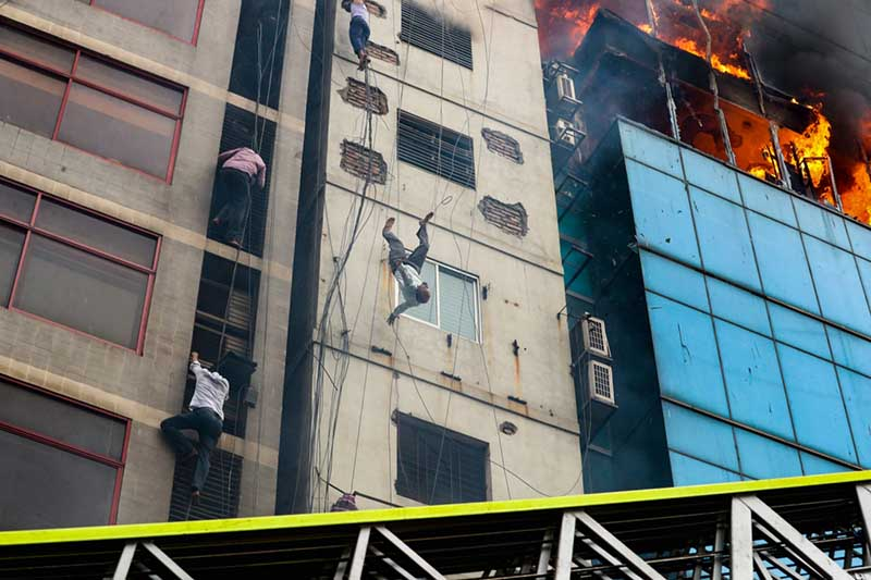 death-of-a-fire-victim-by-mohammad-sazid-hossain