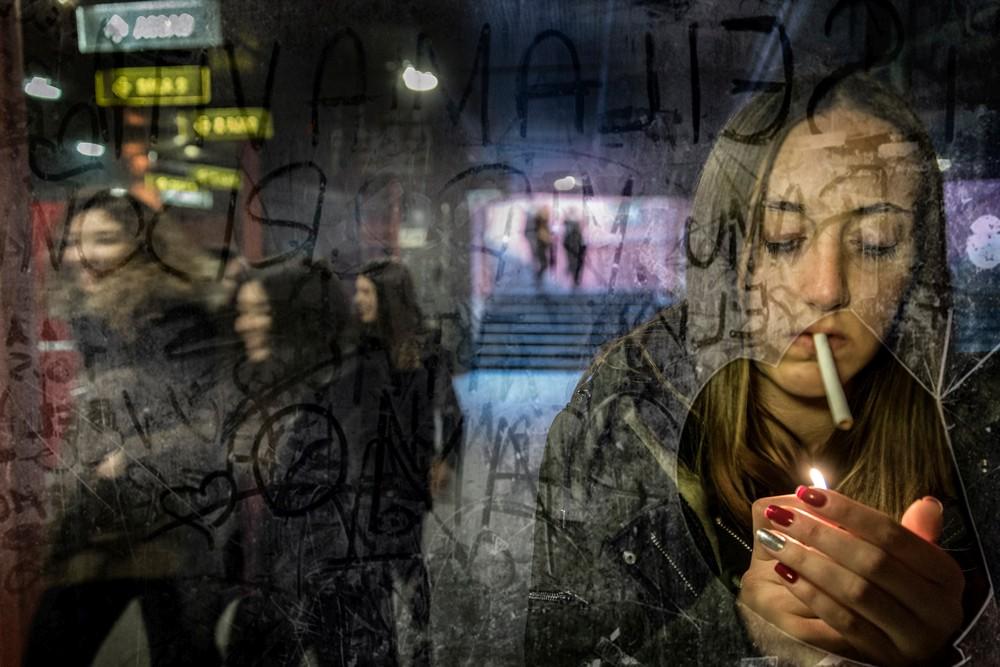 Smoking-in-the-subway-foto-di-Massimiliano-Falsetto-2°-Premio-STREET