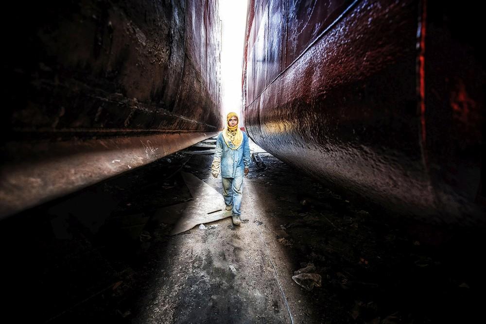 Cantiere-navale-Dhaka-3-foto-di-Daniele-Romagnoli-1°-Premio-TEMA-LIBERO-COLORE