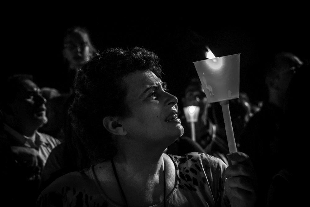 patrizia-galia-intervista-bianconero-sicilia-donna-piange-in-processione