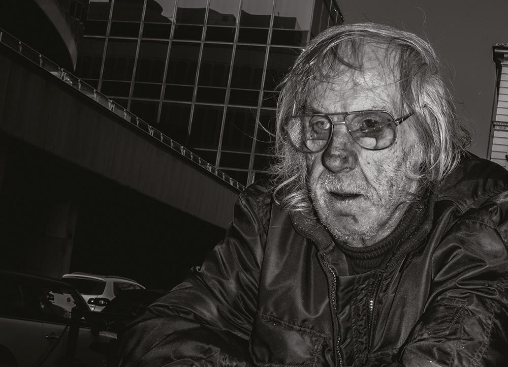 steve-panariti-intervista-libro-diamonds-street-reportage-ritratto-occhiali-rotti
