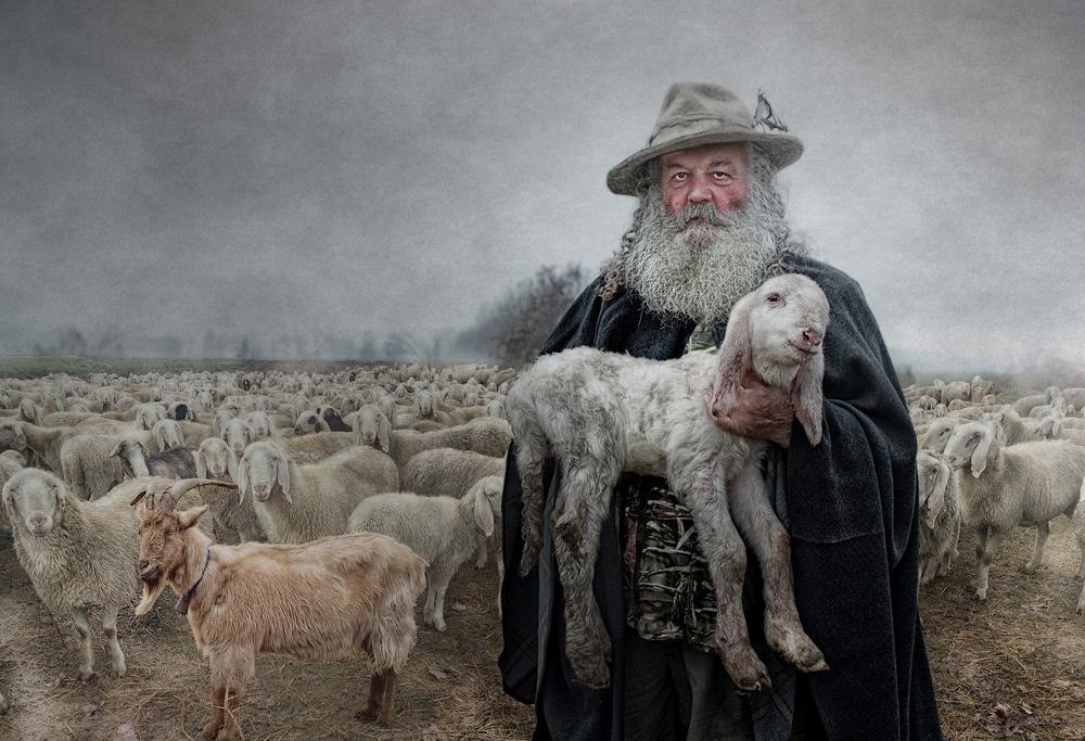 Premio Speciale della Giuria - Tutti Fotografi Zanotti Massimo Afi Afiap ( Ghedi BS) ADRIANO IL PASTORE