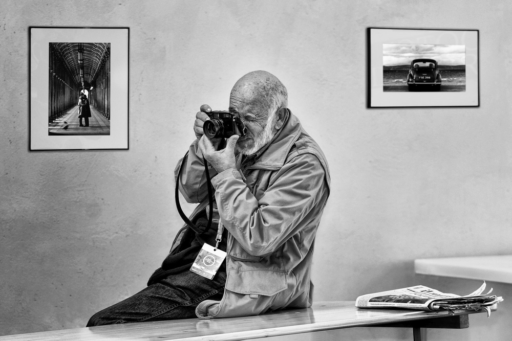 Premio Speciale della Giuria - Tutti Fotografi Montini Giulio Afi - Ifi -Efiaf/B - Efiap/D3 ( Casnate CO ) OMAGGIO AL MAESTRO