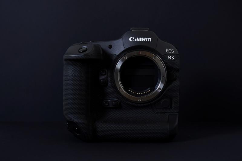 canon_eos-r3_body_2