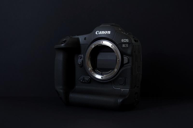 canon_eos-r3_body_5